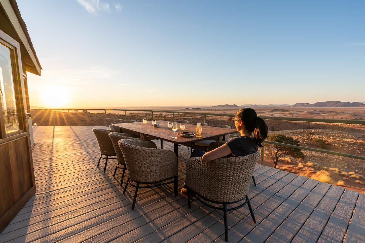 Sundowner im Dune Star Camp Namibia